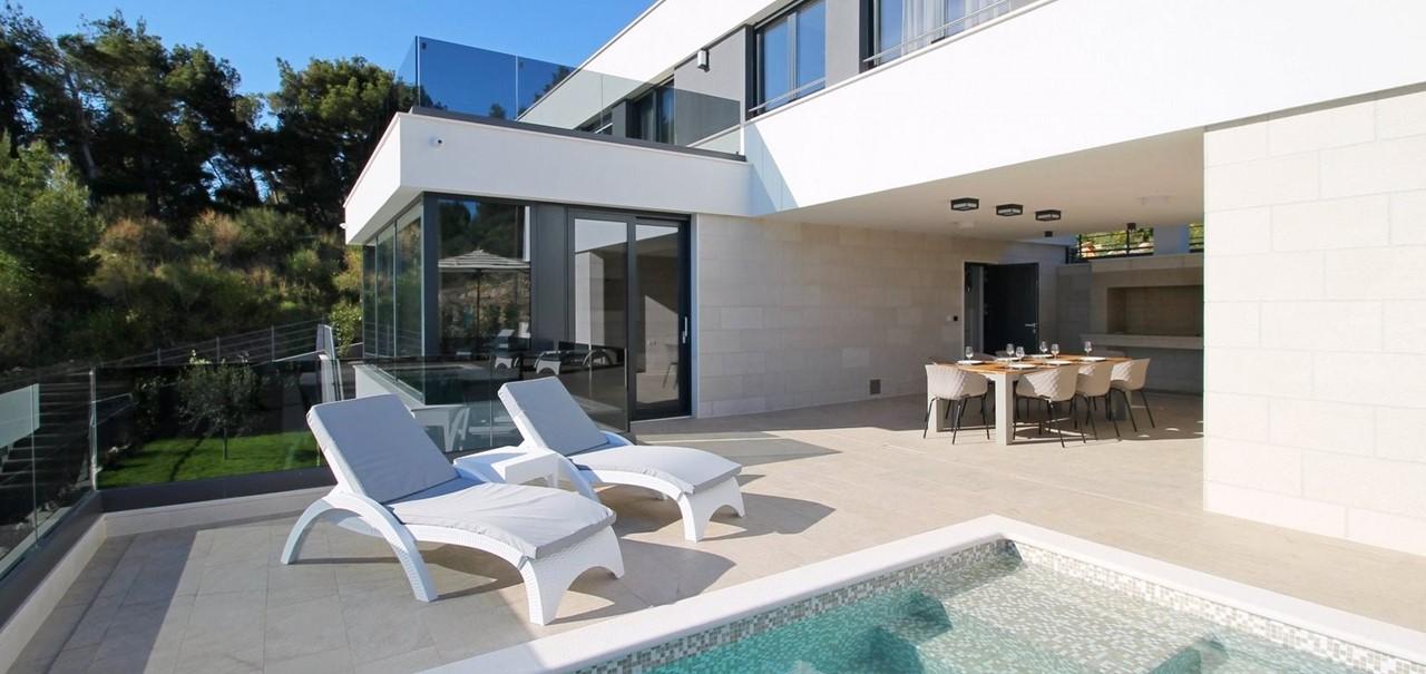 Villa In Brzet 3