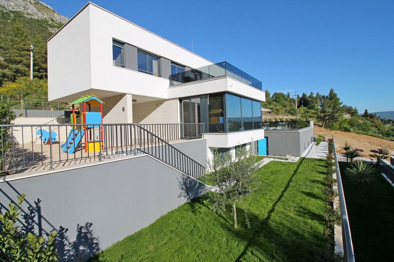 Villa In Brzet 7