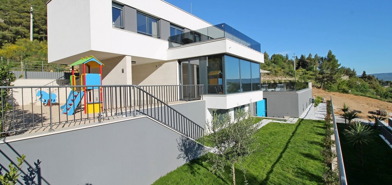 Villa Turquoise Leo With 4 Double Beds Sea Views And Private Swimming Pool The Turquoise