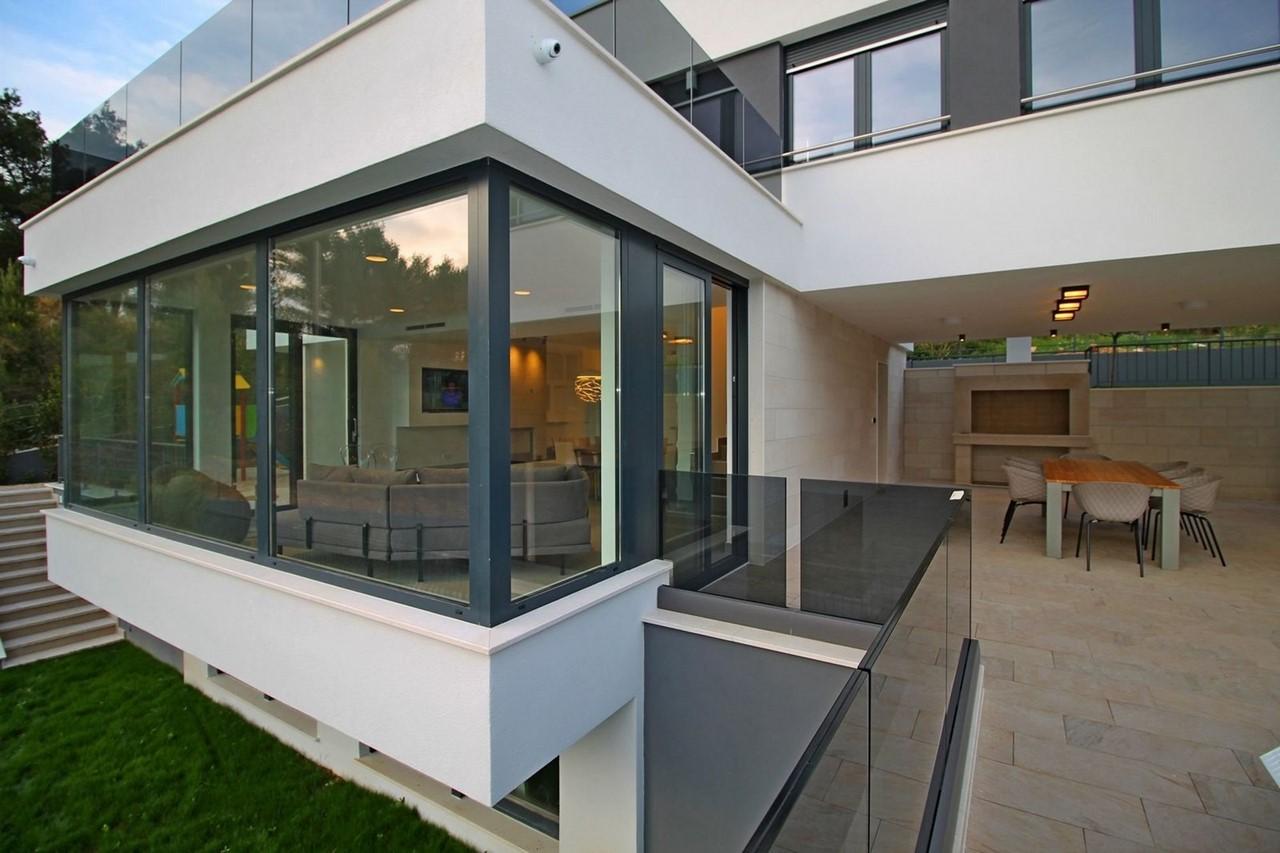 Villa In Brzet 8
