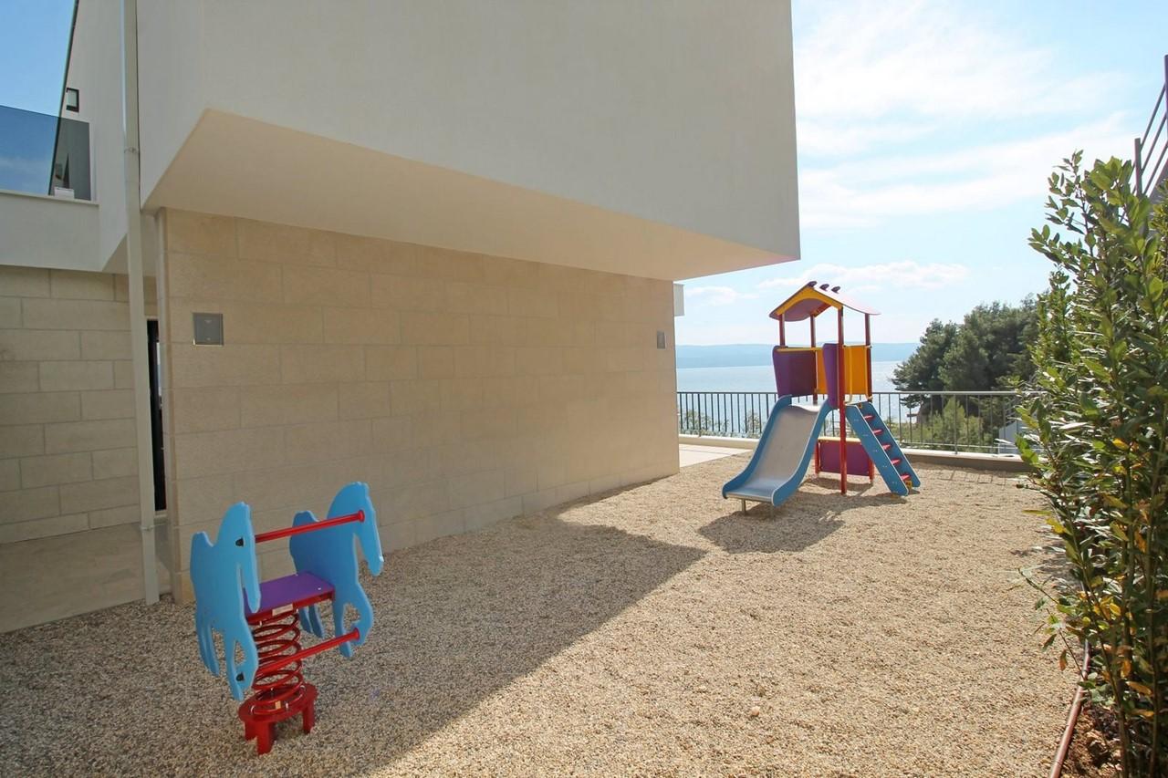 Villa In Brzet 27