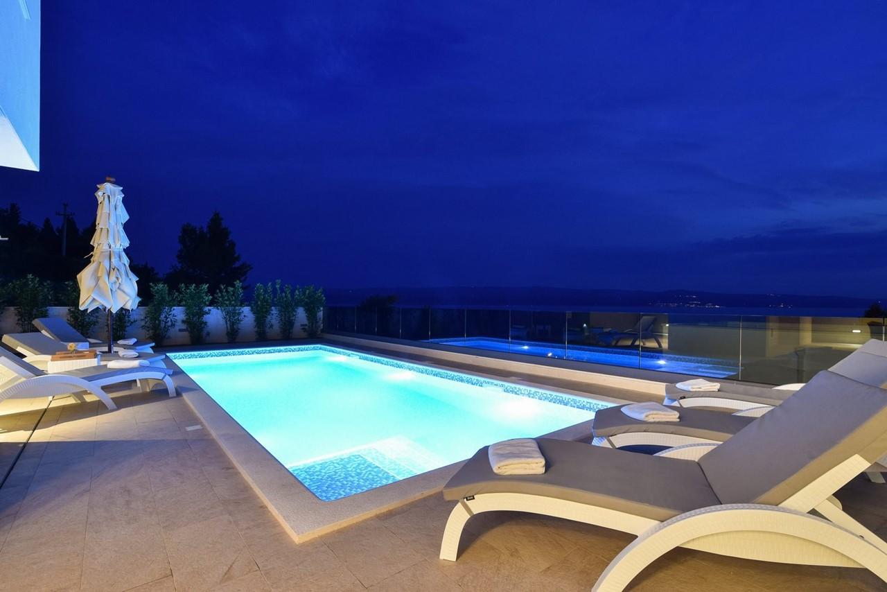 Villa In Brzet 28
