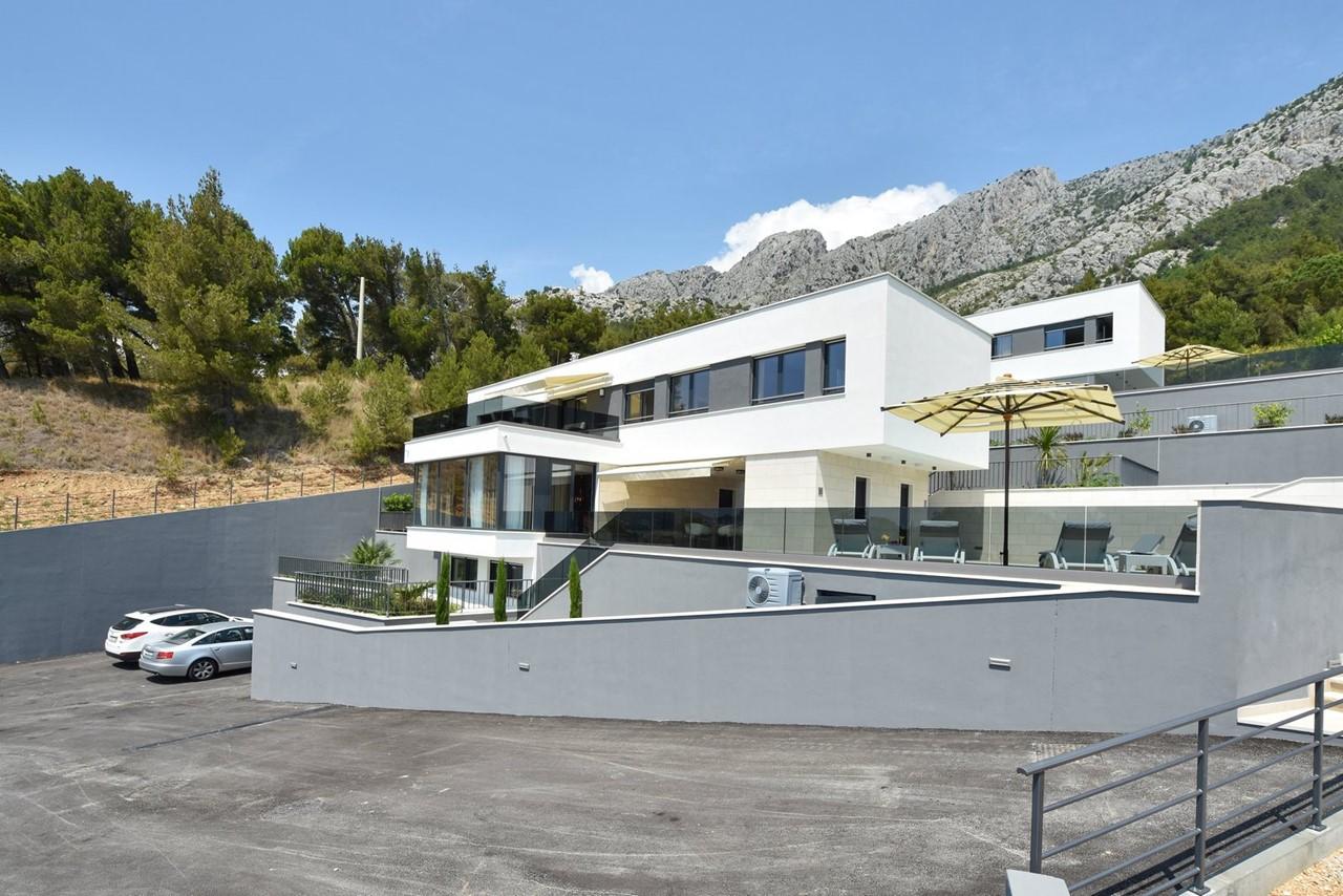 Villa In Brzet 29