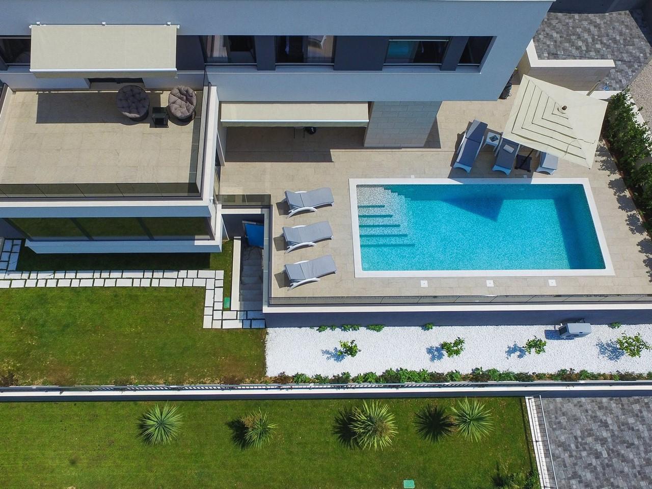 Villa In Brzet 31