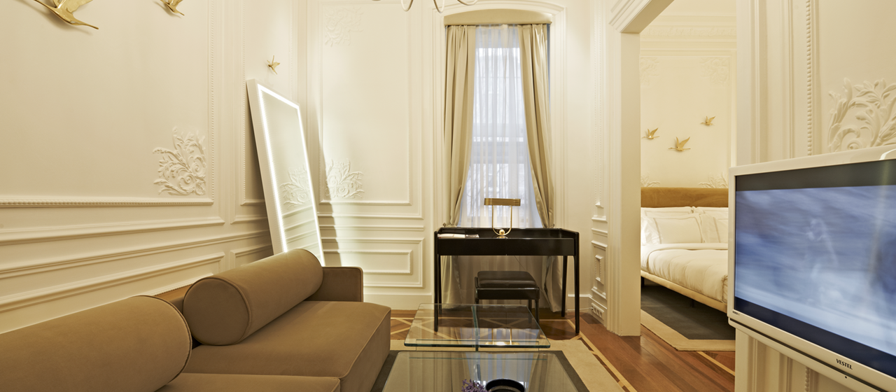 The House Hotel Galatasaray Mini Suite Livingroom 2