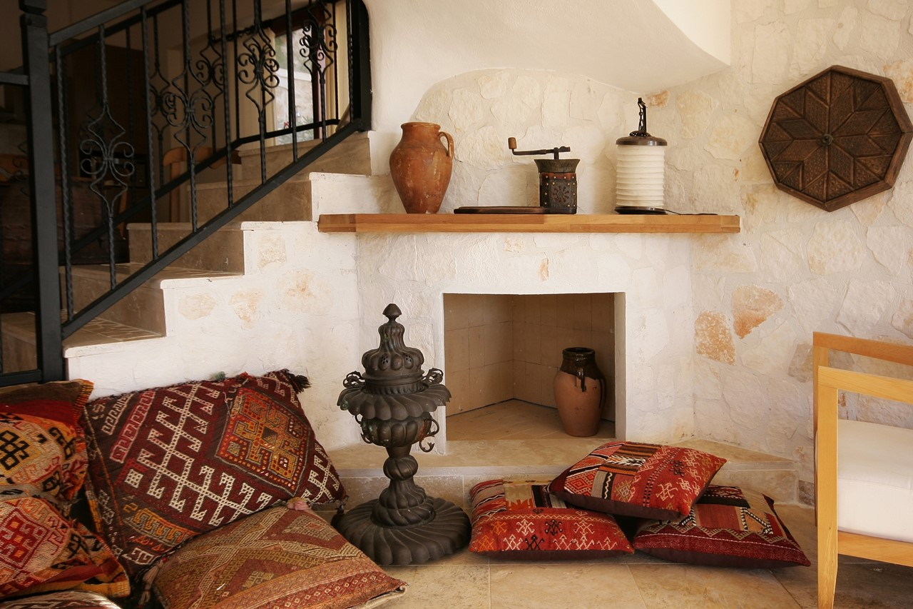 Hints of traditional Turkish decor