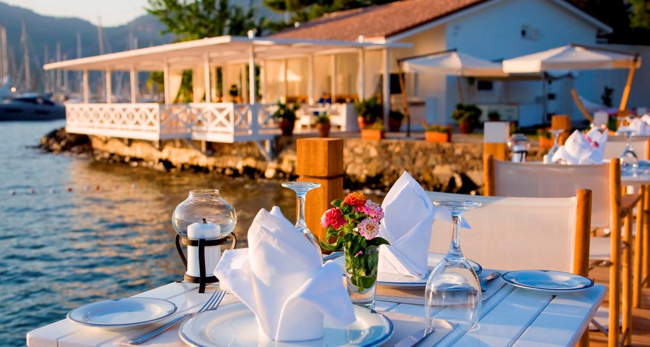 Sundowner Restaurant 3