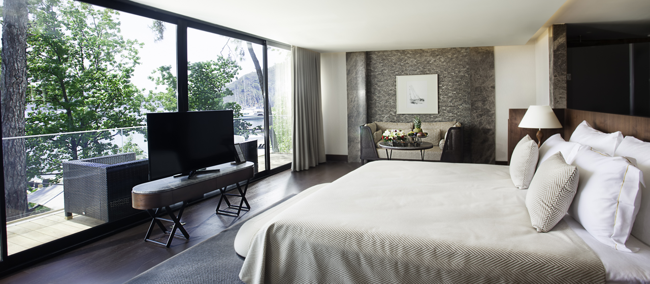 Executive Villa Master Bedroom