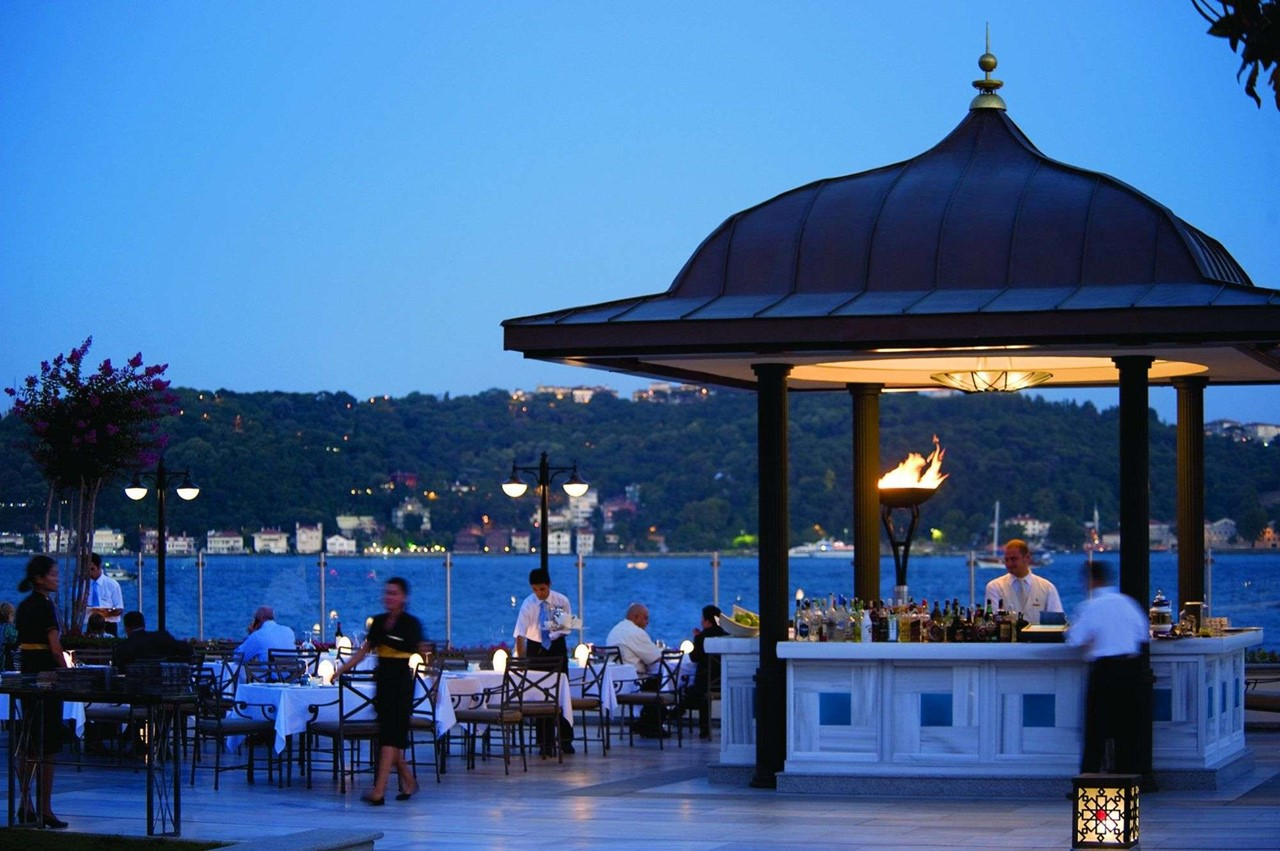 Four Seasons Hotel Istanbul At The Bosphorus 1