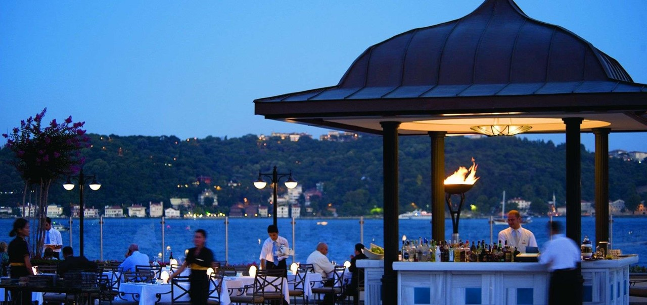 Four Seasons Hotel Istanbul At The Bosphorus 1