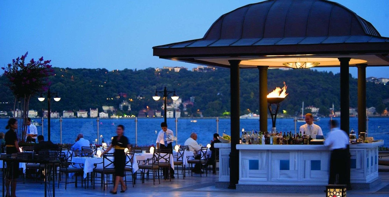 Four Seasons Hotel Istanbul At The Bosphorus 7