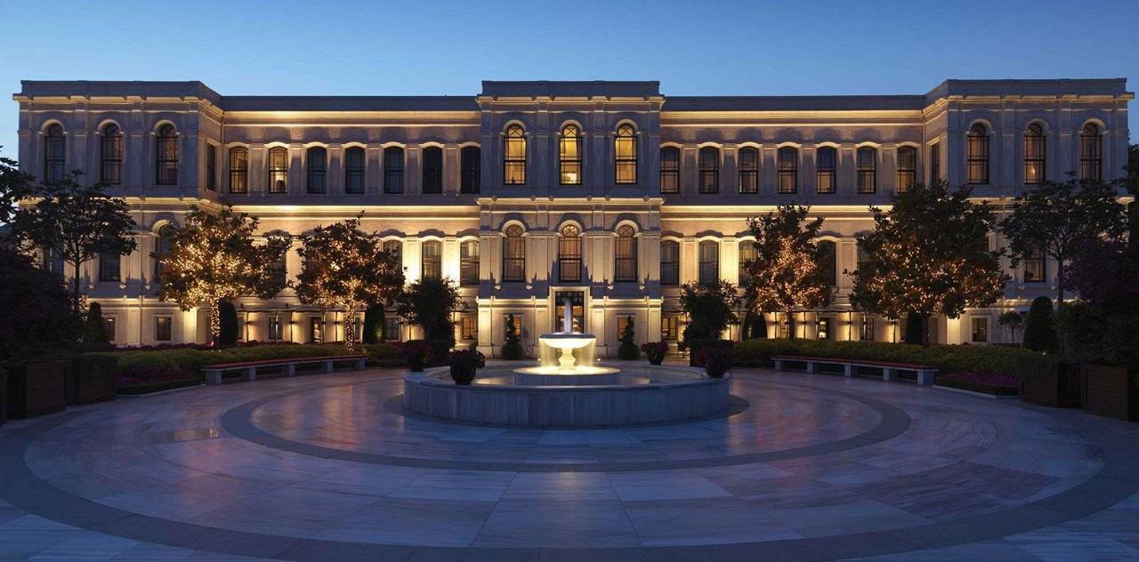 Four Seasons Hotel Istanbul At The Bosphorus At Night