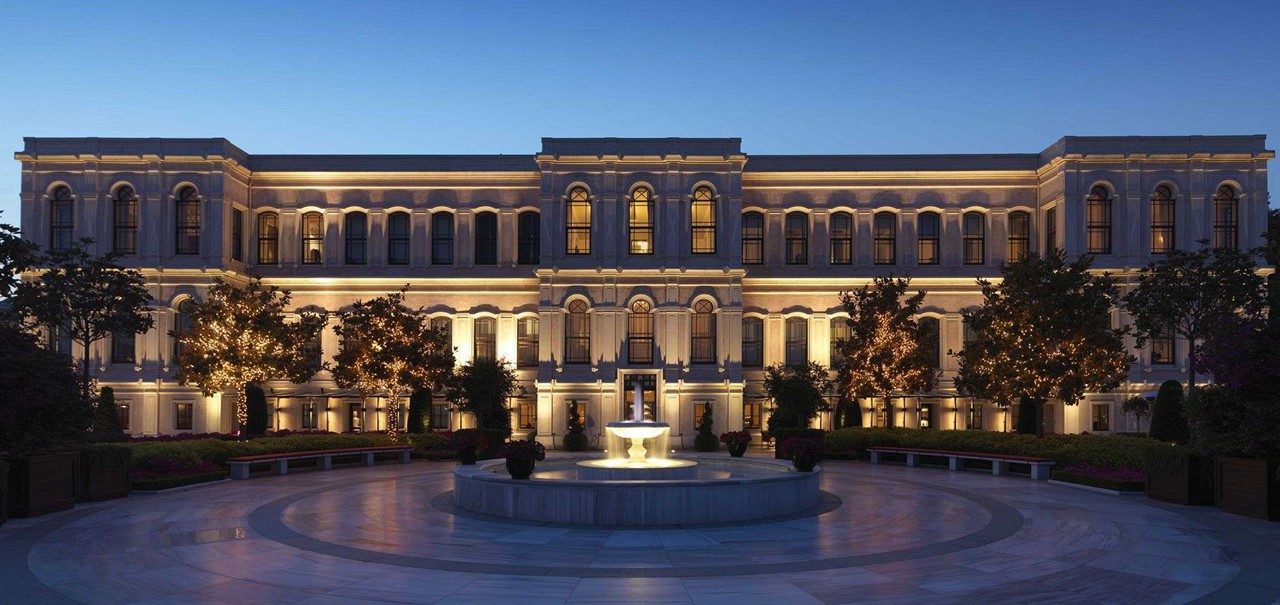 Four Seasons Hotel Istanbul At The Bosphorus By Night