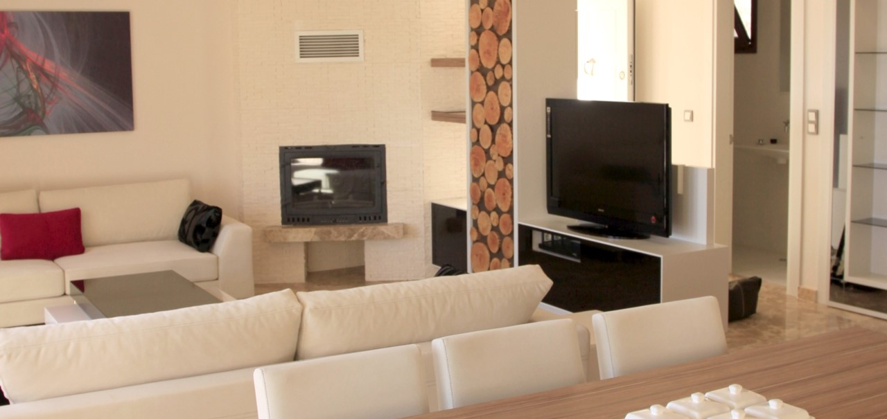 Contemporary furnishings throughout