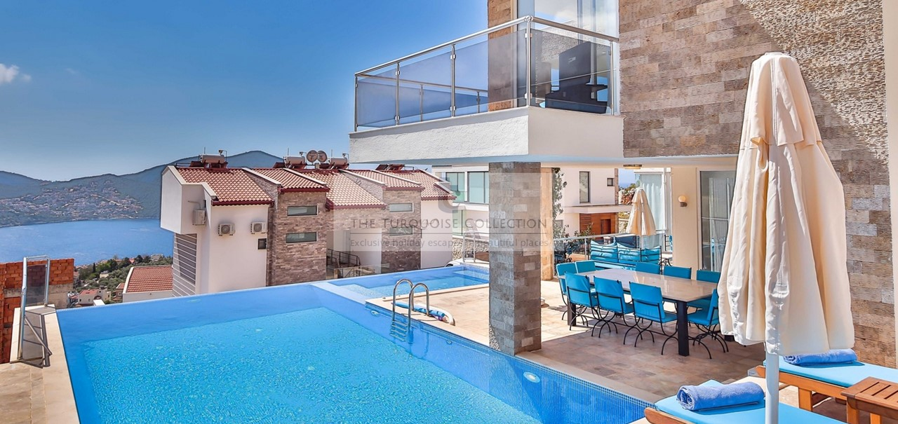 10M X 5M Infinity Pool And Jacuzzi