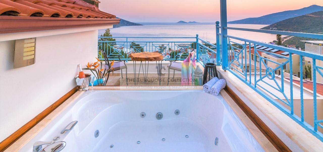 Villa Olivia The Turquoise Collection 1 2018 19