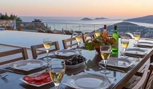 Alfresco-diningsmall.jpg