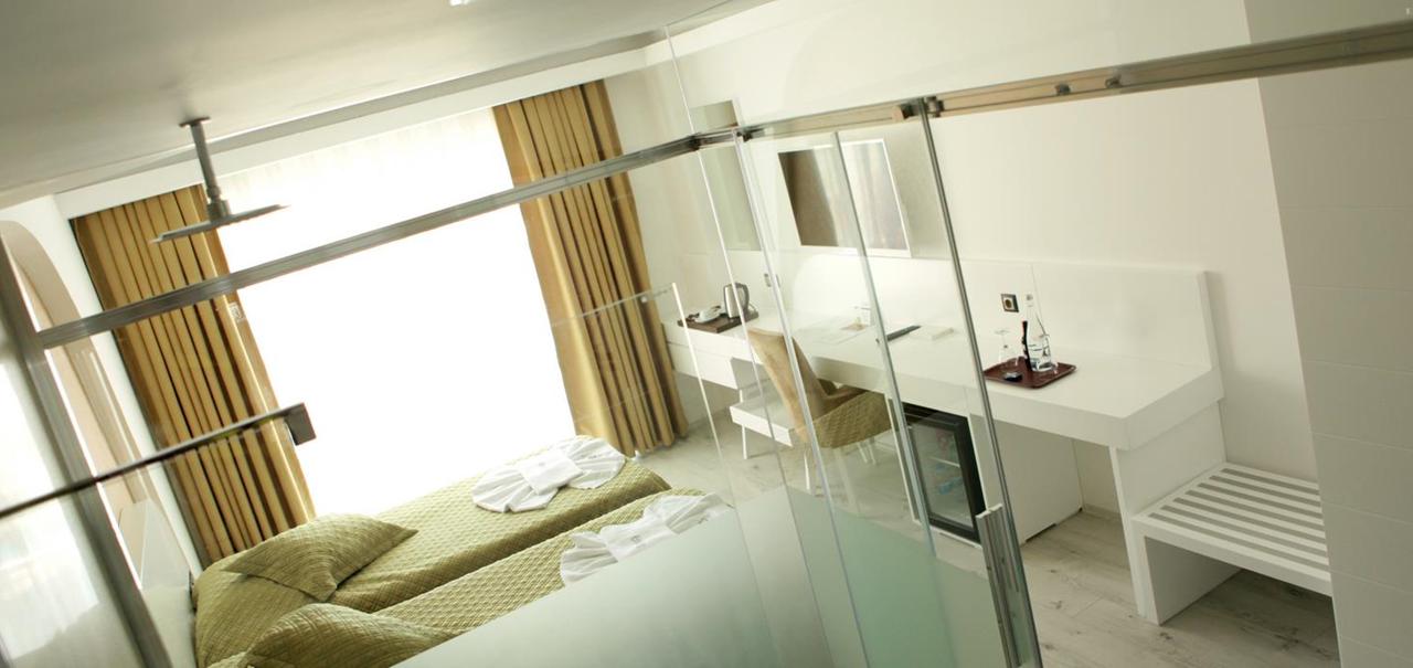 Rhapsody Standard Room 3