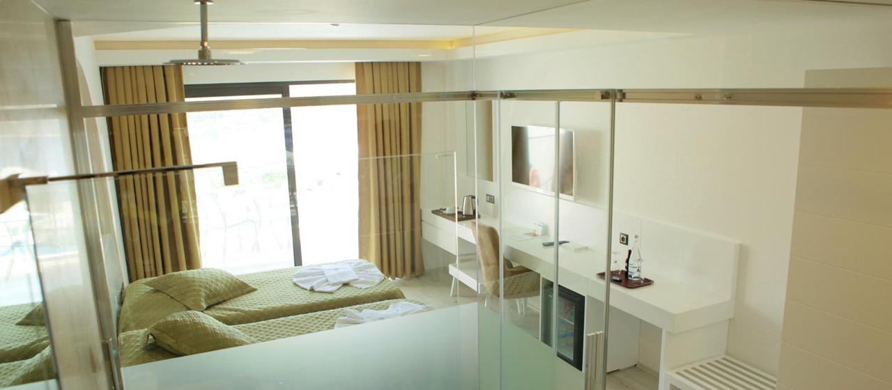 Rhapsody Standard Room 4