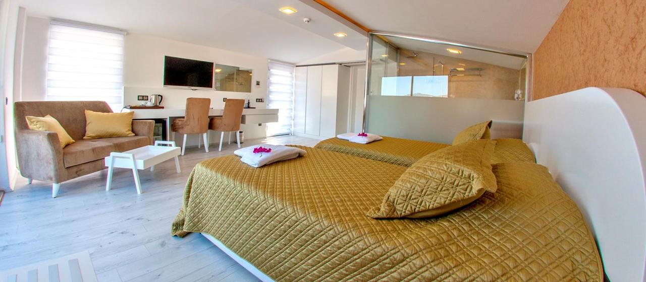 Rhapsody Hotel Premium Room 2