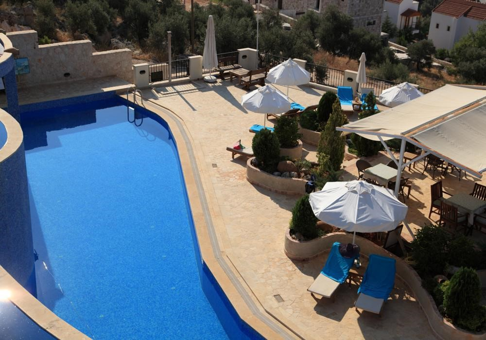 Swimming pool and sunbathing terrace