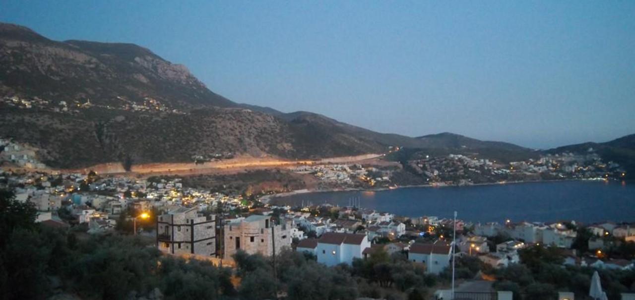 Views from Elvina at dusk