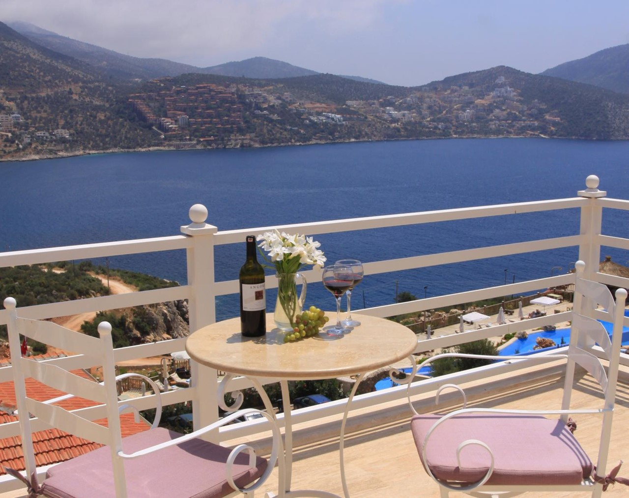 Furnished sea view balcony