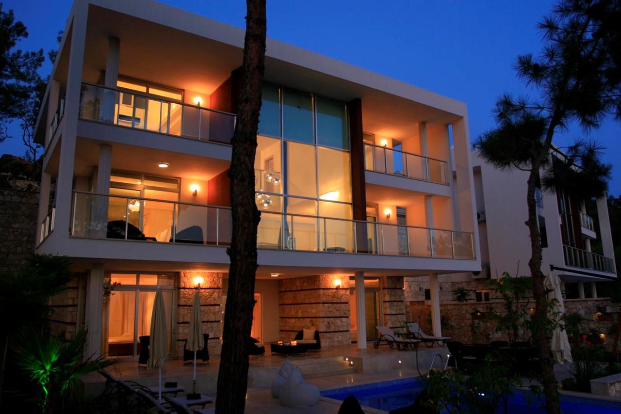 Villa as it gets dark