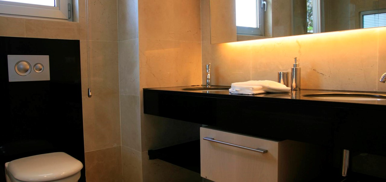 Modern finishes in the bathrooms