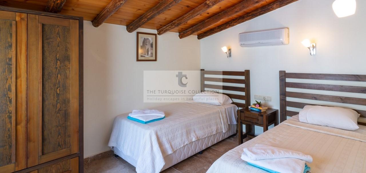 Elvina Apartments Gabriella 19