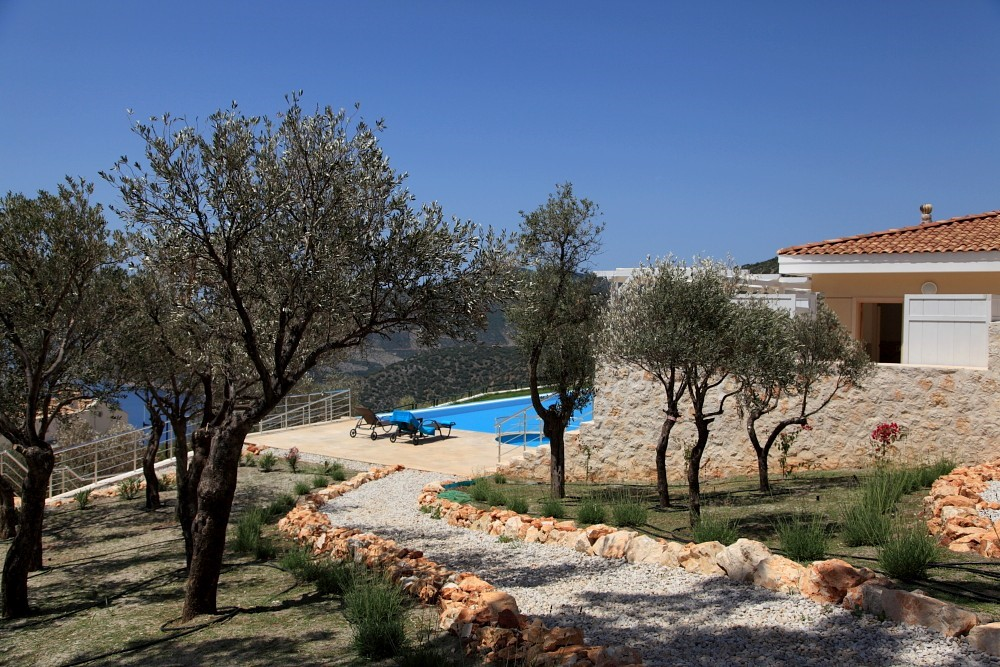 Beautifully landscaped resort