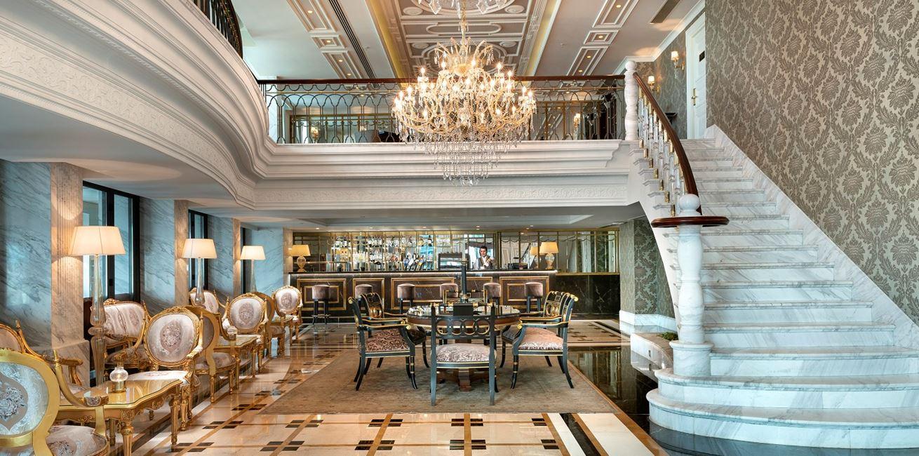 Rh Pera İstanbul Cafe Royal