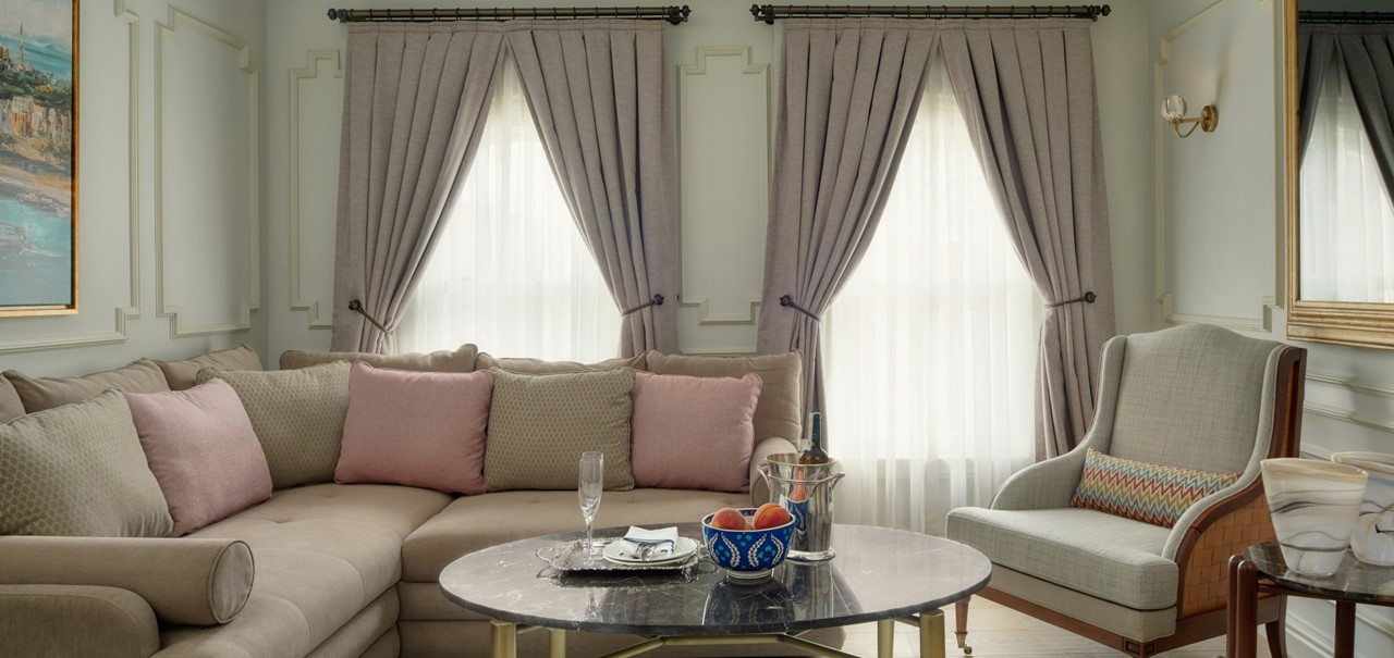 Bosphorus Suite Living Room 8701 A4