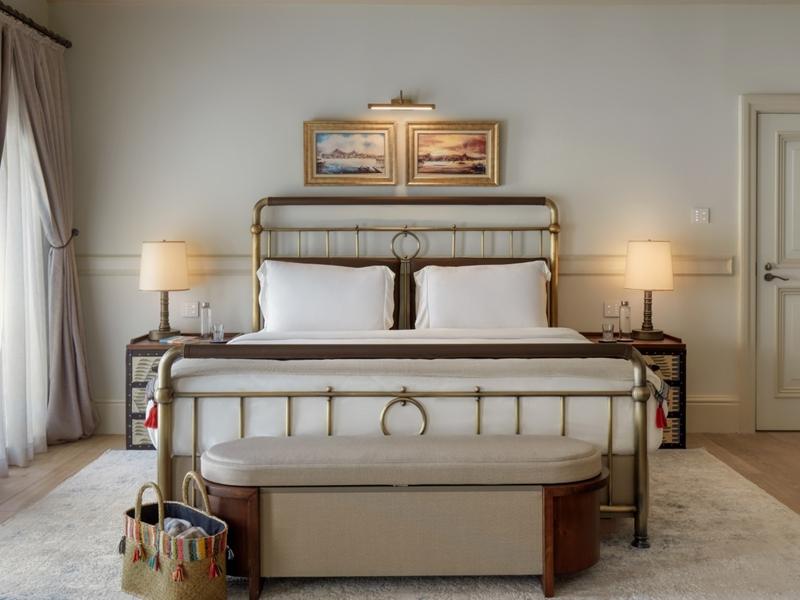 Courtyard Suite Bedroom 8704 A4