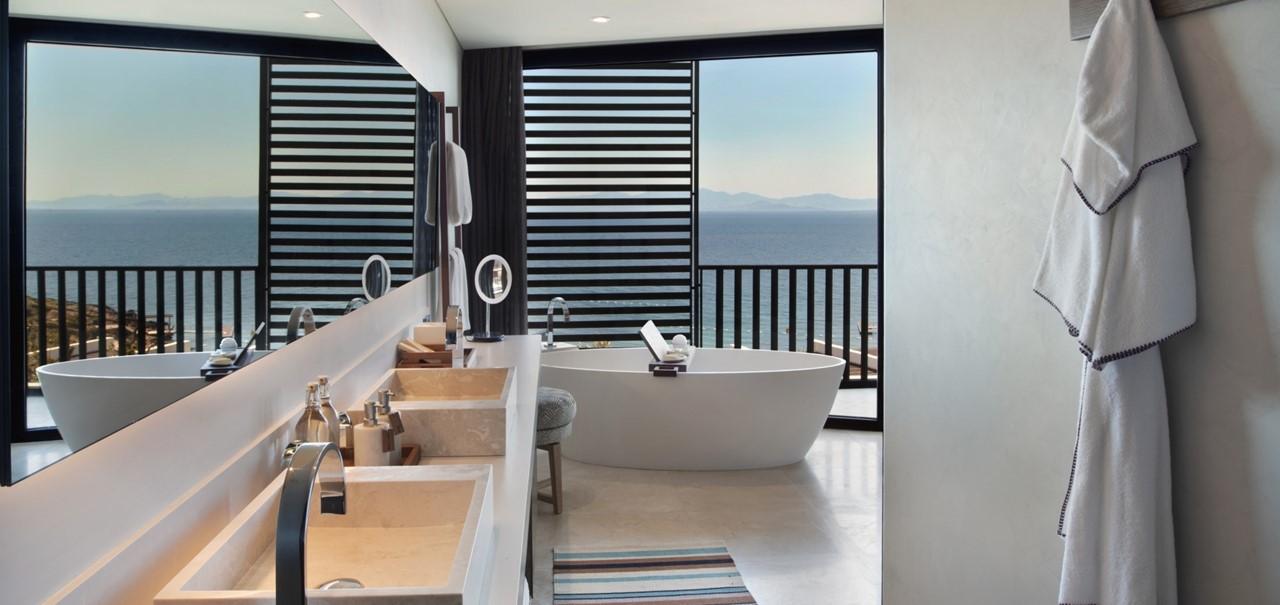 Deluxe Room Bathroom 7662 A4