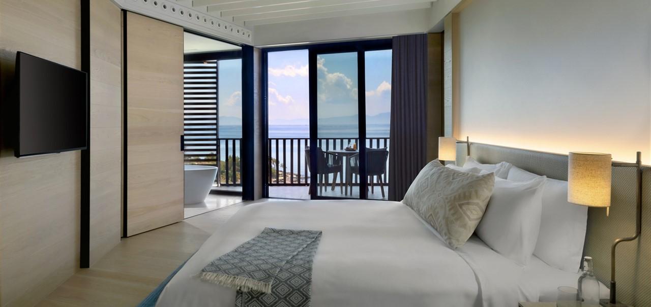 Deluxe Room Bedroom 7663 A4