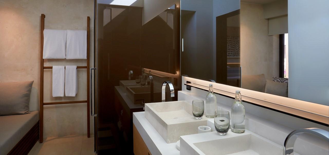 Ridge Terrace Room Bathroom 7595 A4