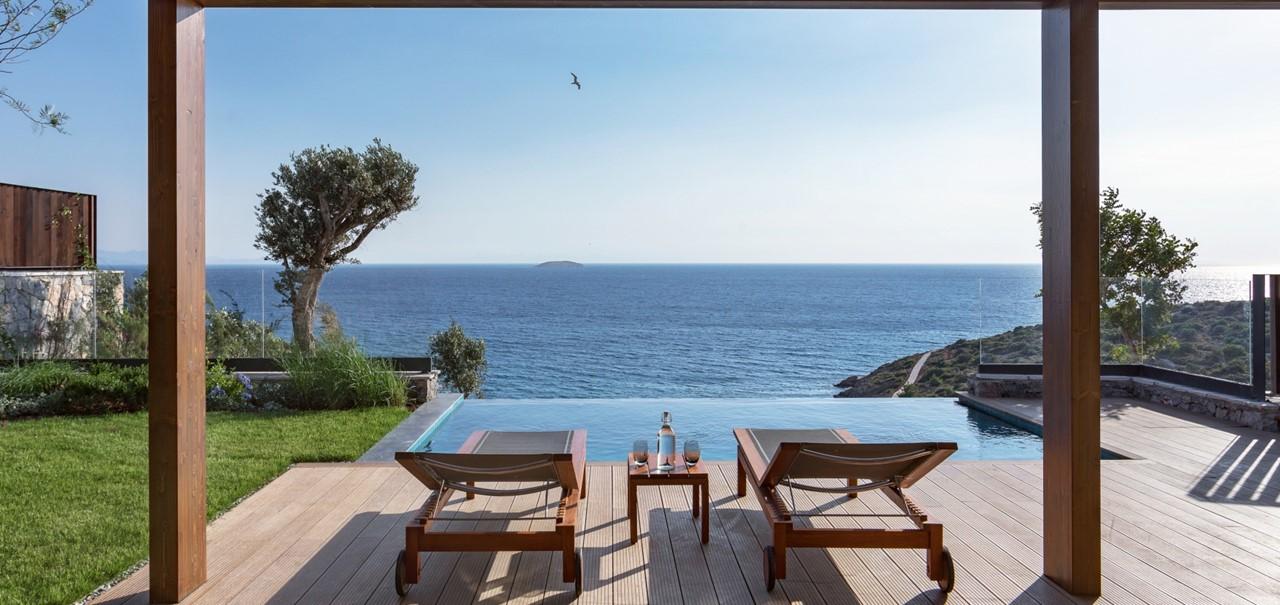 Ridge Terrace Room With Pool2 7598 A4