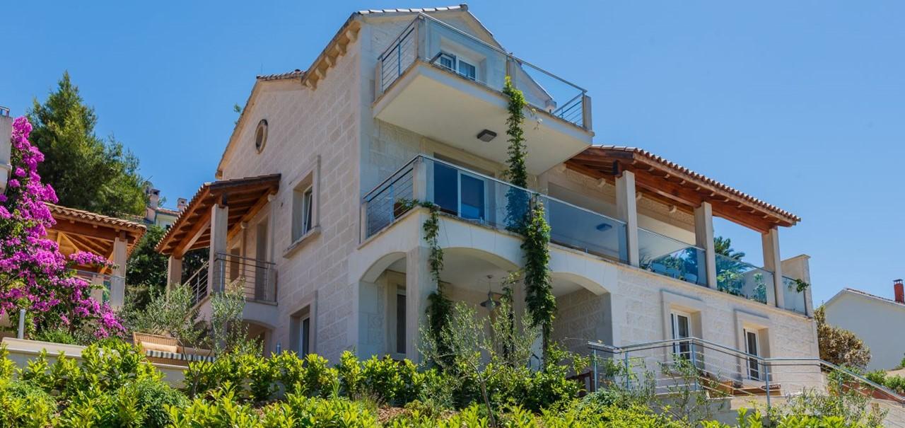 Villa On Island Of Brac 3