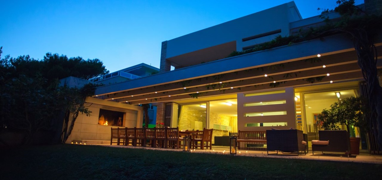 Villa In Bol 1