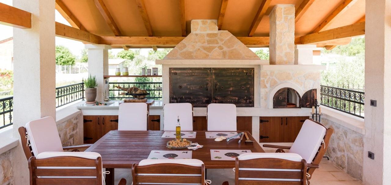 Villa In Bicine 22