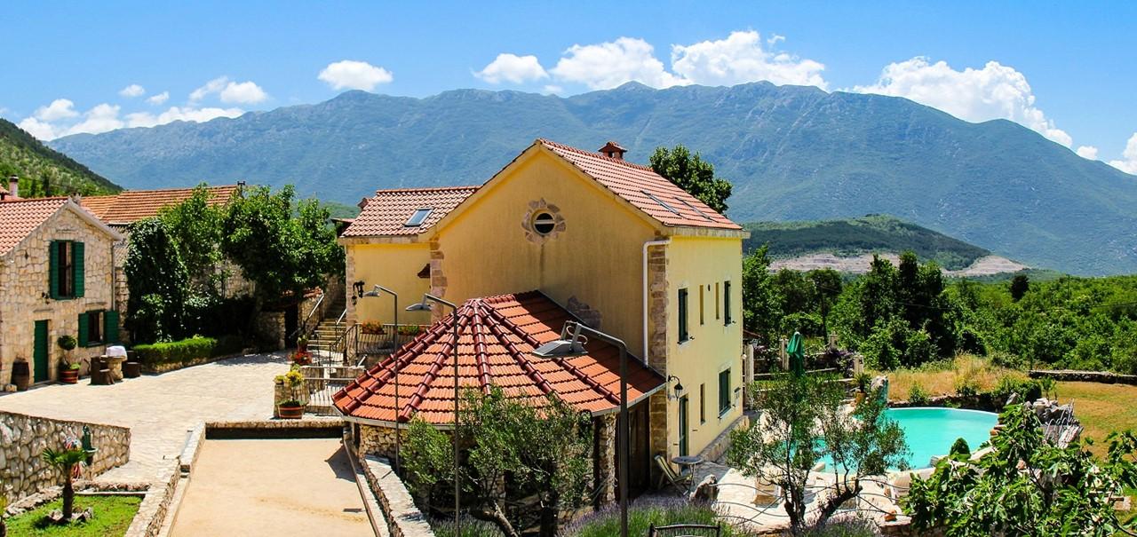 Villa In Sestanovac 1