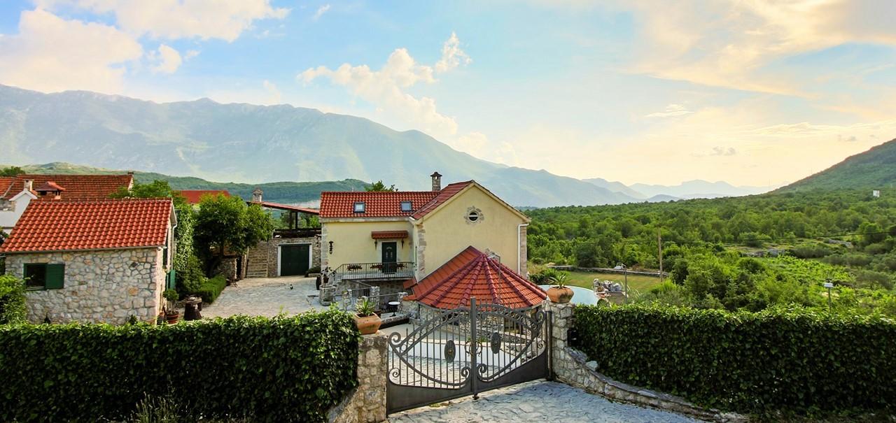Villa In Sestanovac 40