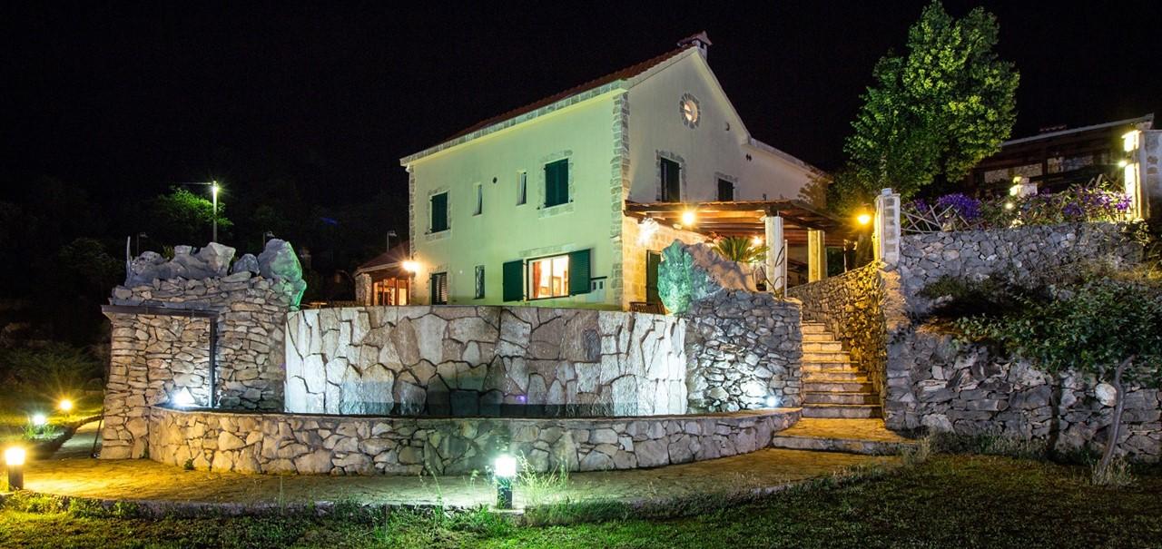 Villa In Sestanovac 43