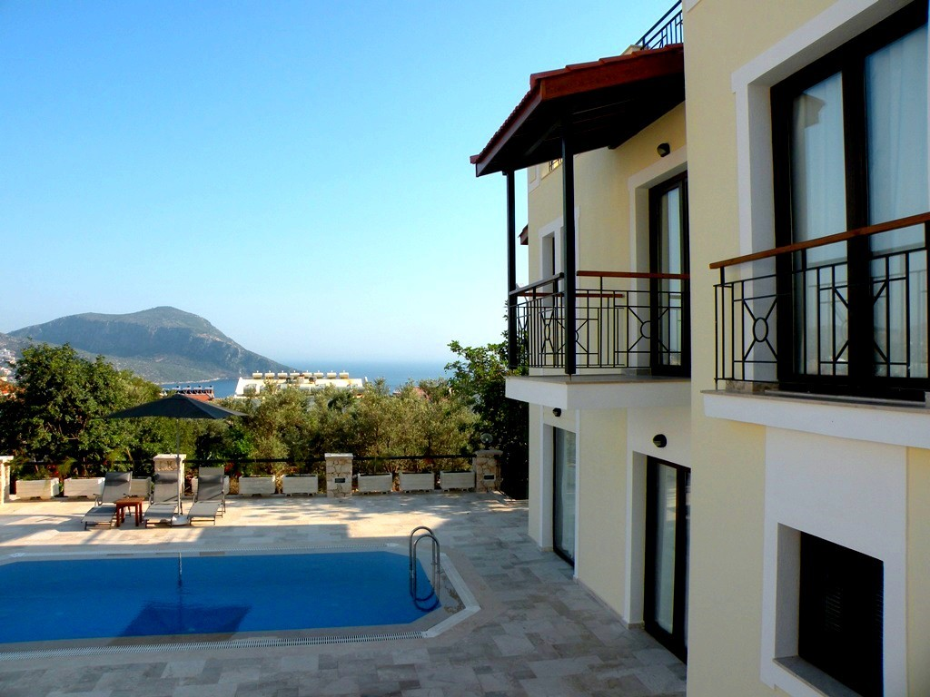 Limon villas with sea view balconies and spacious terrace
