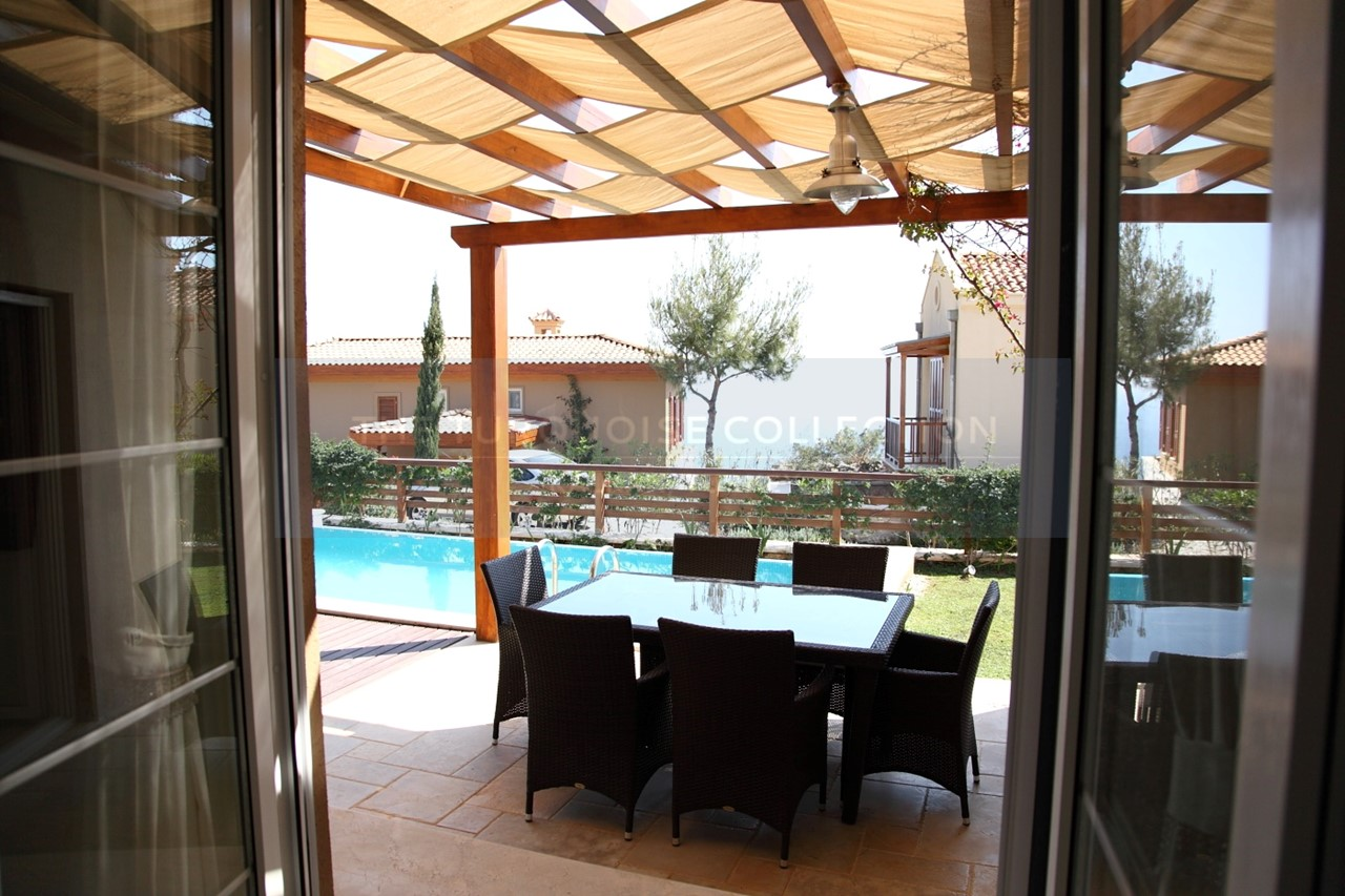 Fully furnished pool terrace