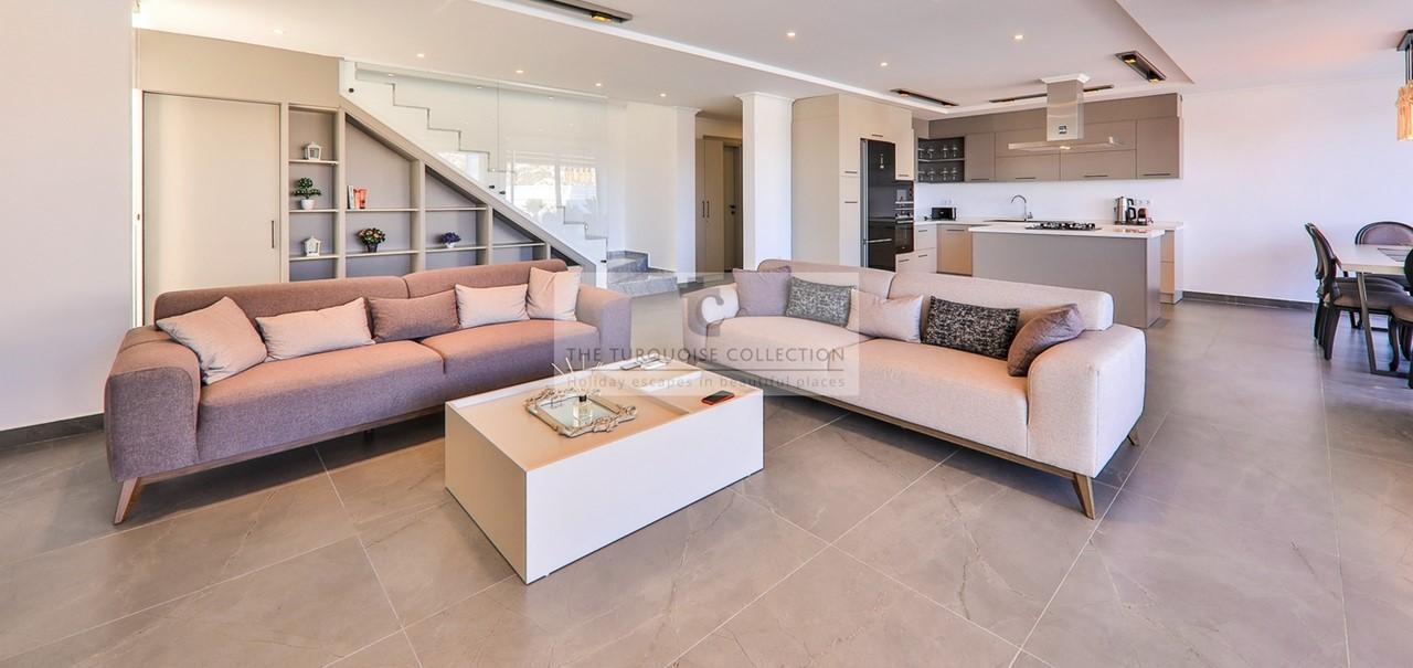 Villa London 28