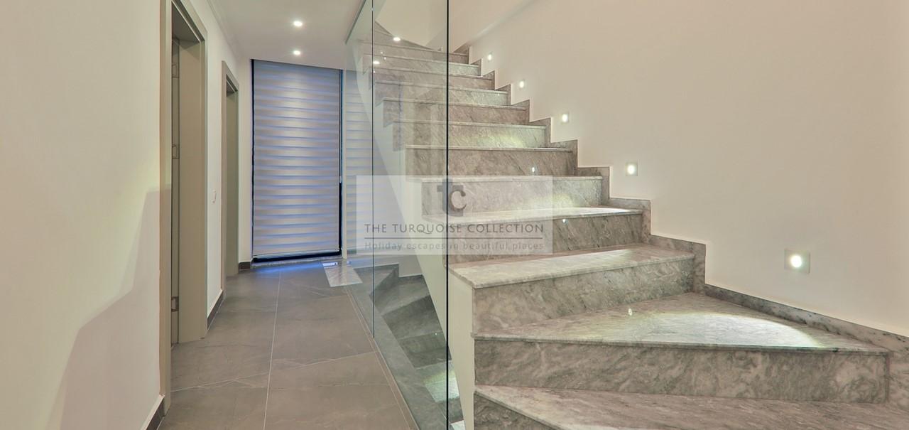 Villa London 47