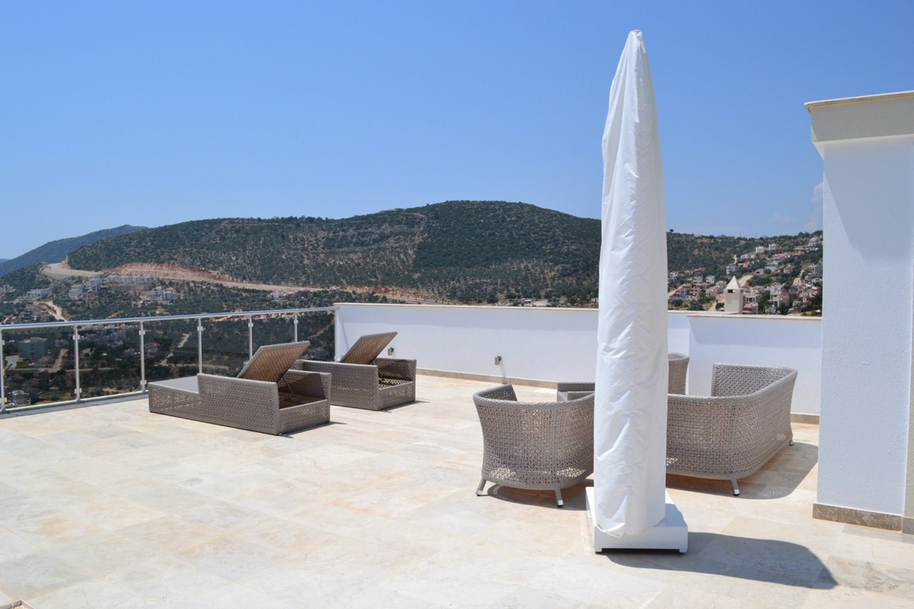 Furnished roof terrace