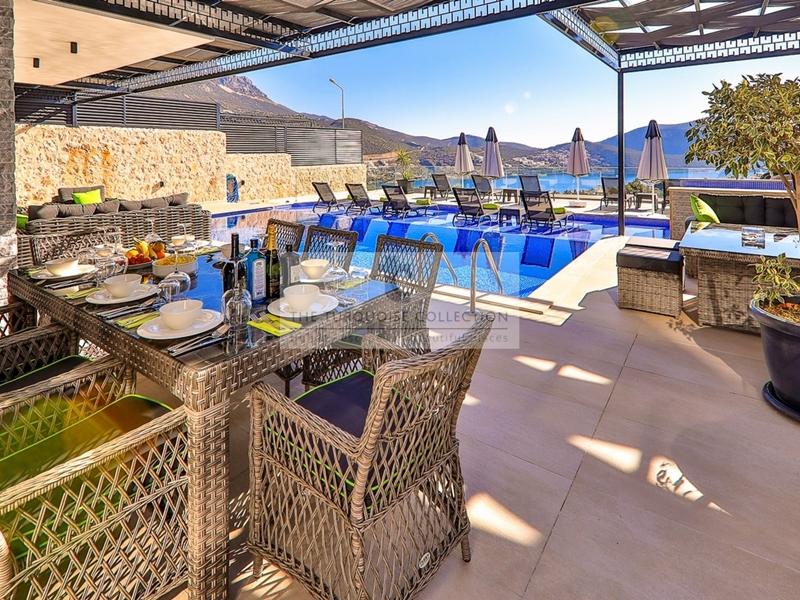 Villa Blush 35